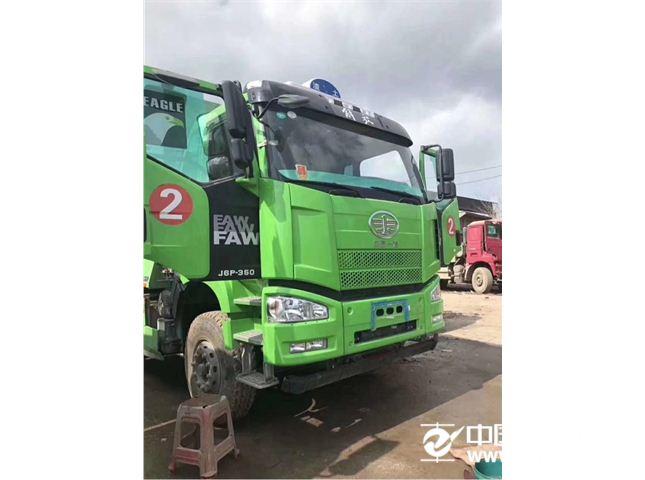 一汽解放 J6P 350马力环保车