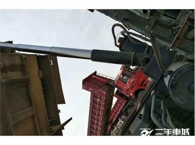 福田 欧曼 国五,5米8大箱,后八轮,380马力