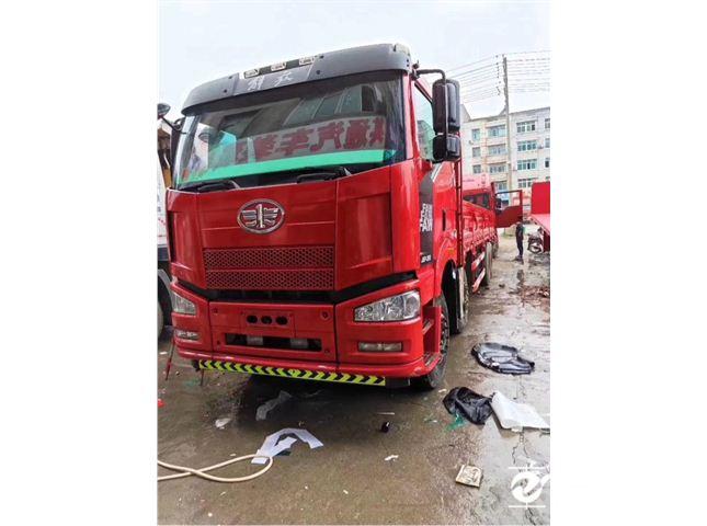 一汽解放 J6P 重卡 350馬力 8×4 欄板式 排半 載貨車(CA1310P66K2L7T4E5)