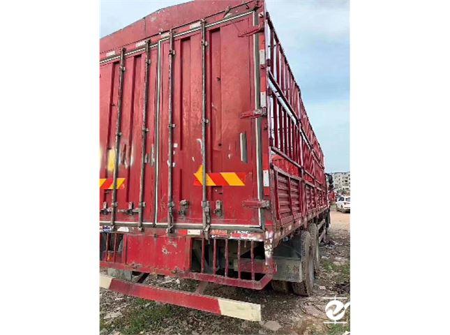 一汽解放 J6P 前四后八载货车