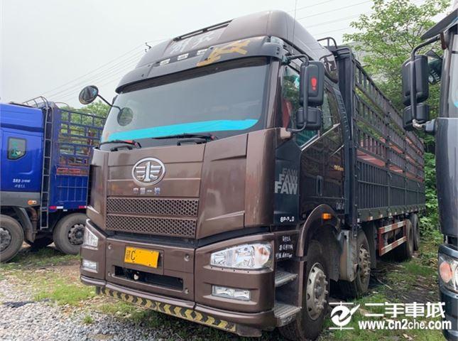 一汽解放 J6P 350马力 8X4 9.6米仓栅式载货车
