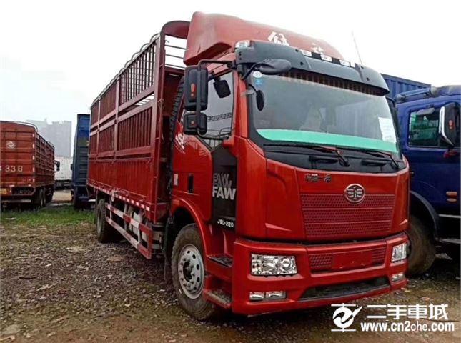 一汽解放 J6L 中卡质惠版220马力4X2 6.75米栏板载货车?#30528;? title=