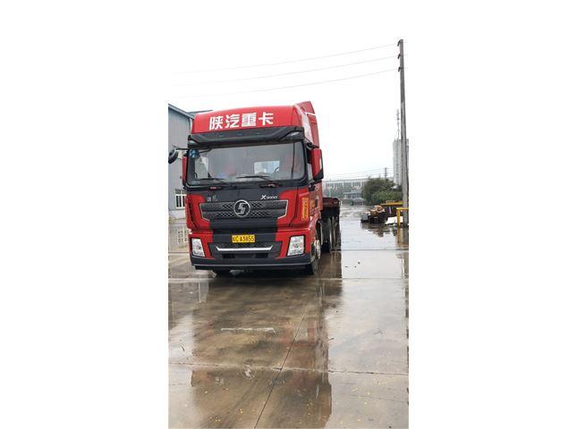 陕汽重卡 德龙X3000  550马力 6X4牵引车(SX4256T324)