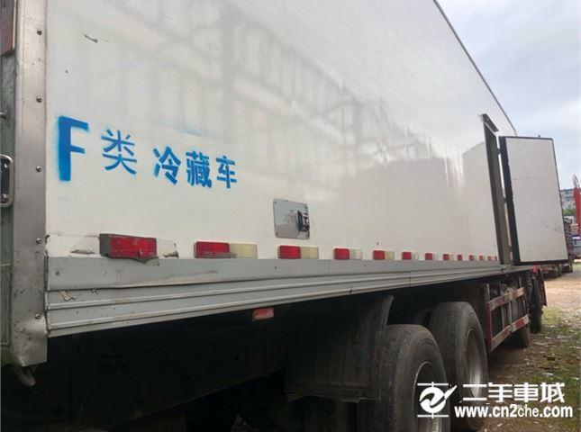一汽解放 J6P 350动力8X4冷藏车