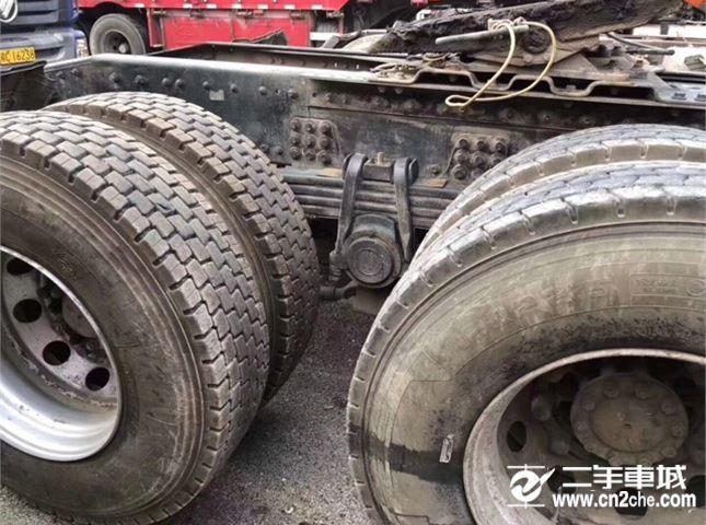 東風 天龍 旗艦重卡 520馬力 6X4牽引車)