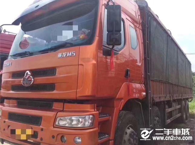 東風柳汽 乘龍M5 載貨車 重卡 385馬力 8X4 9.6米排半倉柵載貨車底盤(LZ5312CCY