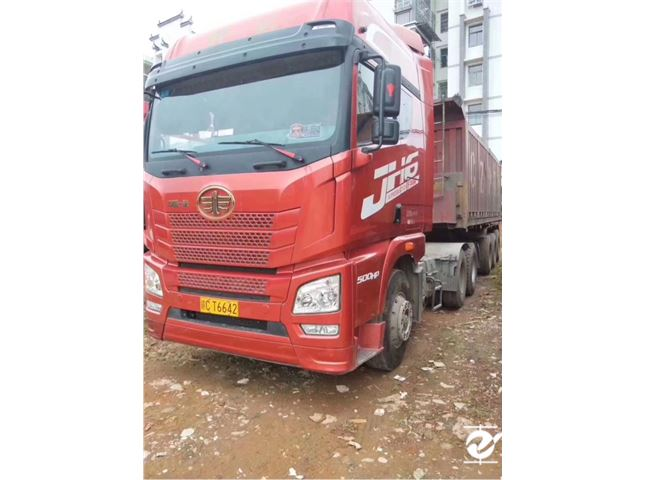 青島解放 JH6 JH6重卡 500馬力 6X2R牽引車
