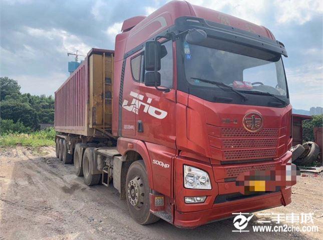 青島解放 JH6 500馬力6X4牽引車