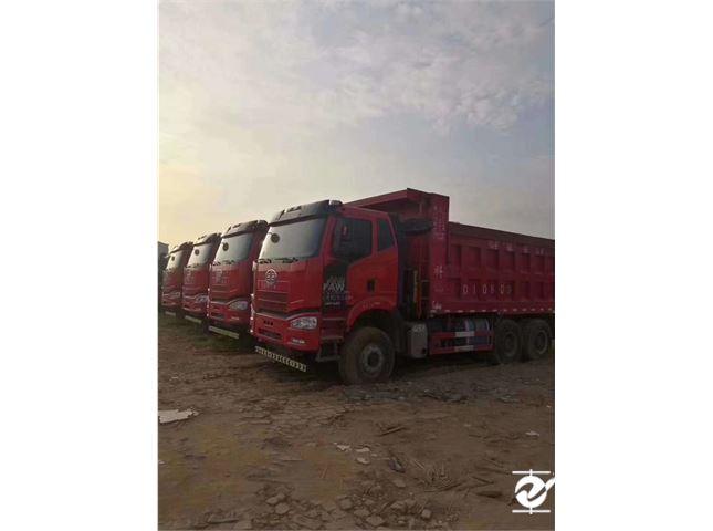 一汽解放 J6P 自卸车 重卡420马力6X4自卸车底盘6.4米