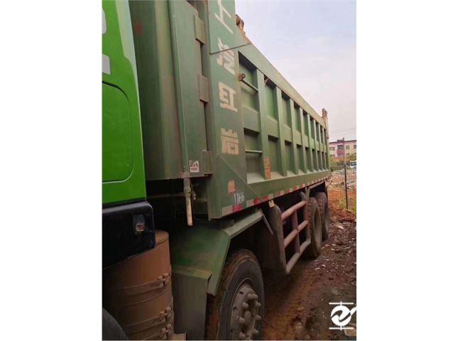 上汽紅巖 杰獅 C500重卡 350馬力 8X4 7.6米自卸車(CQ3316HTVG396L)