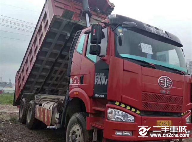 一汽解放 J6P 重卡350马力6X4自卸车5.8米