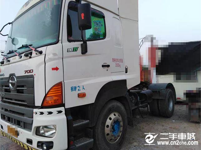 日野 广汽700系列 牵引车 重卡 380马力 4X2 牵引车