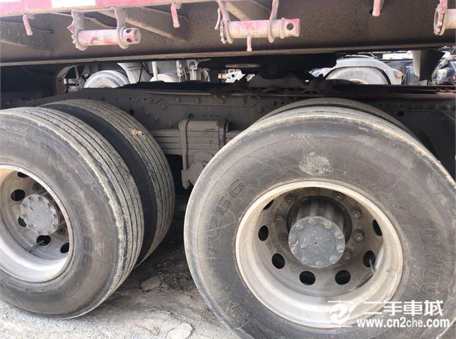 青岛解放 JH6 牵引车 重卡 460马力 6X4牵引车(CA4250P25K2T1E4)