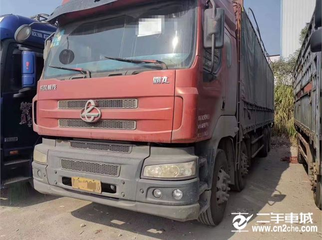 東風柳汽 霸龍 載貨車 重卡 315馬力 8X4 前四后八  倉柵