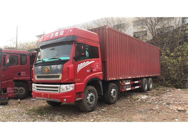 青岛解放 途V 290马力9.6米前四后八仓栅载货车