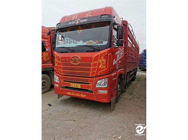 青島解放 JH6 載貨車 重卡 400馬力 8X4 9.5米載貨車(CA1310P25K2L7T4E5A80)