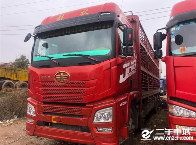 青岛解放 JH6 400马力8X4载货车