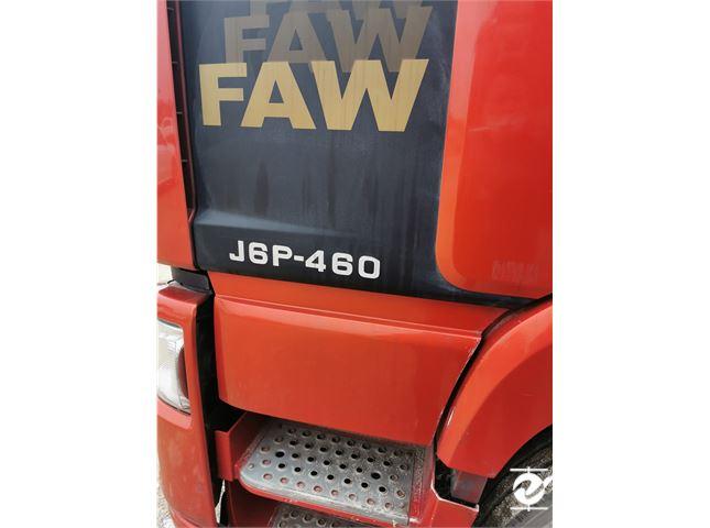 一汽解放 J6P 半掛帶13米高欄板出售