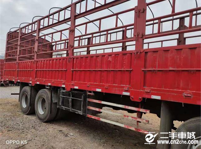 一汽解放 J6P 350馬力9.6米前四后八倉柵載貨車