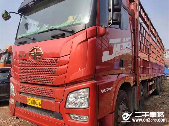 青島解放 JH6 350馬力9.6米前四后八載貨車