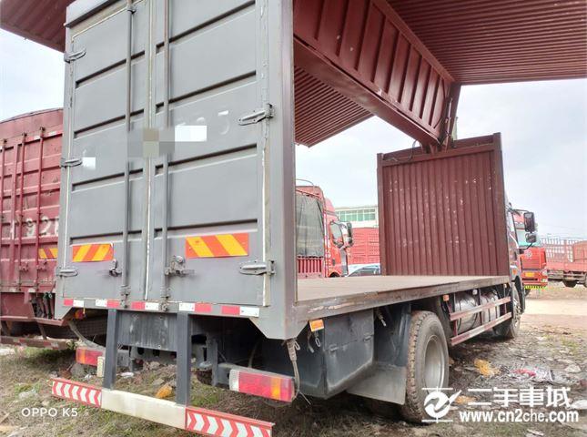 青島解放 龍V 載貨車 青島解放 龍V中卡 180馬力 4X2 倉柵載貨車(CA5167CCYPK2L2E4A80-1)