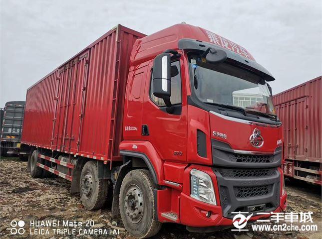 東風柳汽 乘龍M5 載貨車 M5重卡 270馬力 6X2 9.6米廂式載貨車