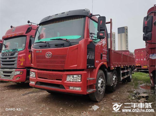 一汽解放 J6P 240马力7.7米前四后四平板载货车