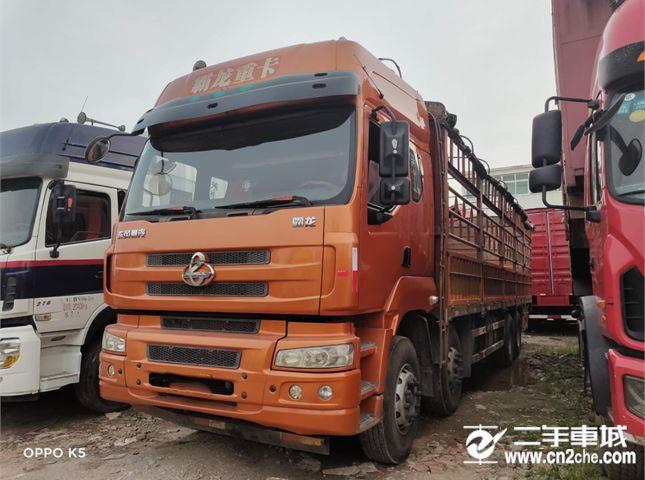 东风柳汽 乘龙M5 载货车 重卡 320马力 8X4 9.6米仓栅式载货车(LZ5311CCYQELA)