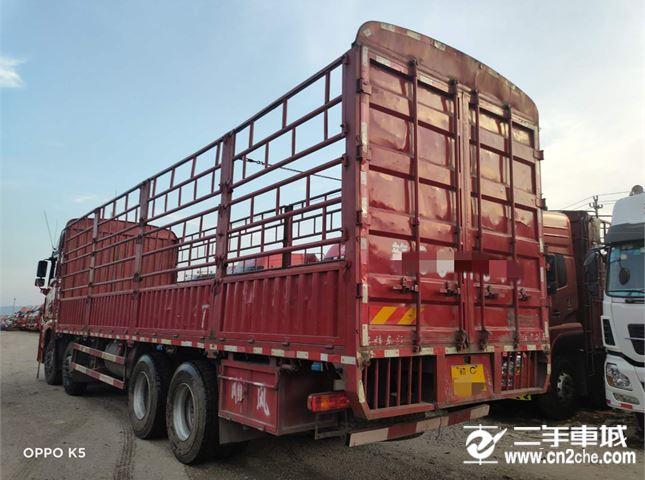 青島解放 JH6 400馬力9.6米前四后八倉柵載貨車