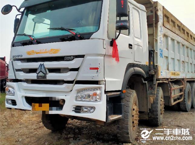 二手中国重汽豪沃八轮自卸车出售 车型省油保值