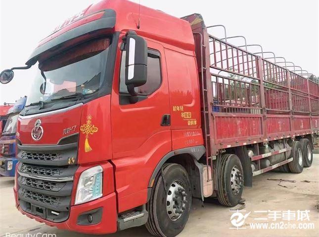 東風柳汽 乘龍 350馬力前四后八9.6米倉欄式載貨車