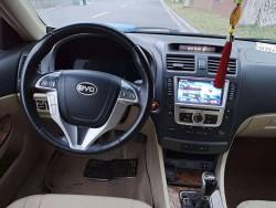 比亚迪 G6 2013款  比亚迪G6 2.0L 手动 尊贵型