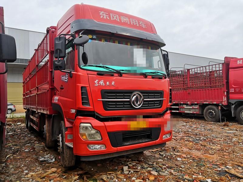 东风 天龙 东风天龙9.6米高栏载货车